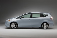 2012-Toyota-Prius-Side-View-1-1024x682