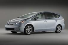 2012-Toyota-Prius-Side-View-4-1024x682