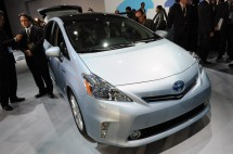 2012-Toyota-Prius-V-At-2011-Detroit-Auto-Show-6-1024x680