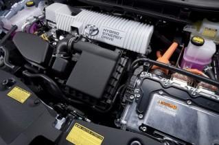 2012-Toyota-Prius-V-Hybrid-Synergy-Drive-Engine-3-1024x680