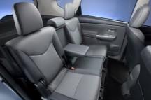 2012-Toyota-Prius-V-Interior-3-1024x680