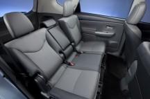 2012-Toyota-Prius-V-Interior-4-1024x680