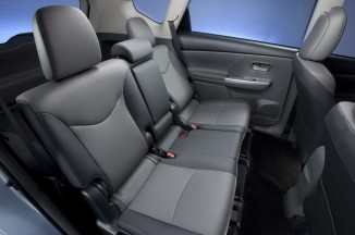 2012-Toyota-Prius-V-Interior-5-1024x680