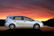 2012-Toyota-Prius-V-Wallpaper-1-1024x682