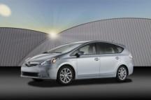 2012-Toyota-Prius-V-Wallpaper-3-1024x680