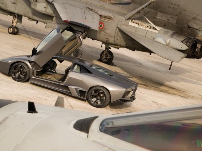 Lamborghini-Reventon-With-F22-1-1024x768